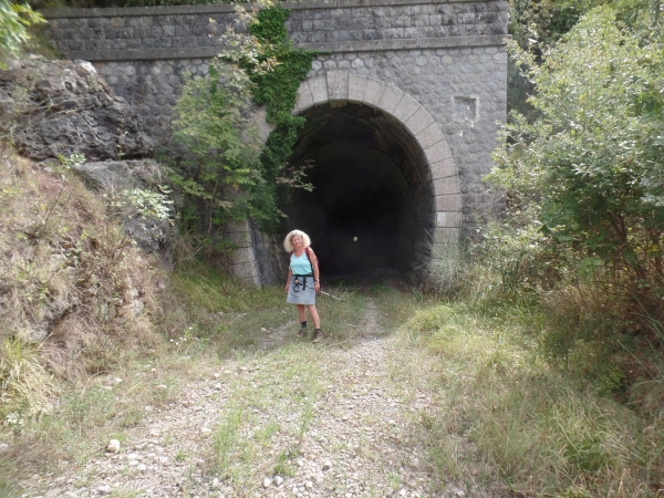 tunnel station Lauria 600