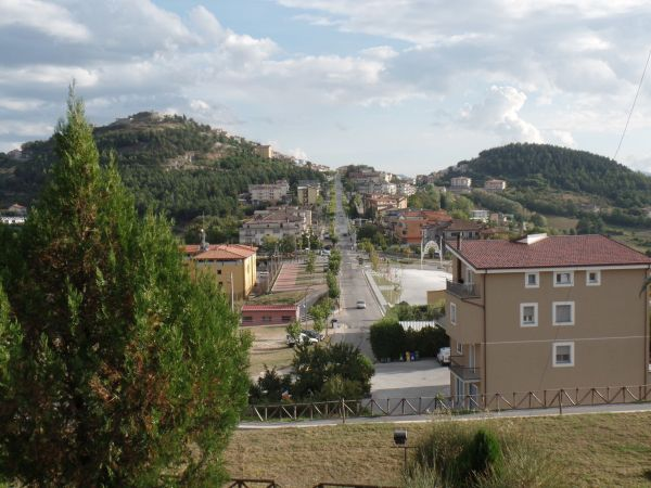 uitzicht op Viggiano vanaf Hotel Theotokos2 600